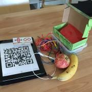 Vid förskolebesöken har vi bl.a skapat QR-koder och spelat piano på frukter med hjälp av Makey Makey